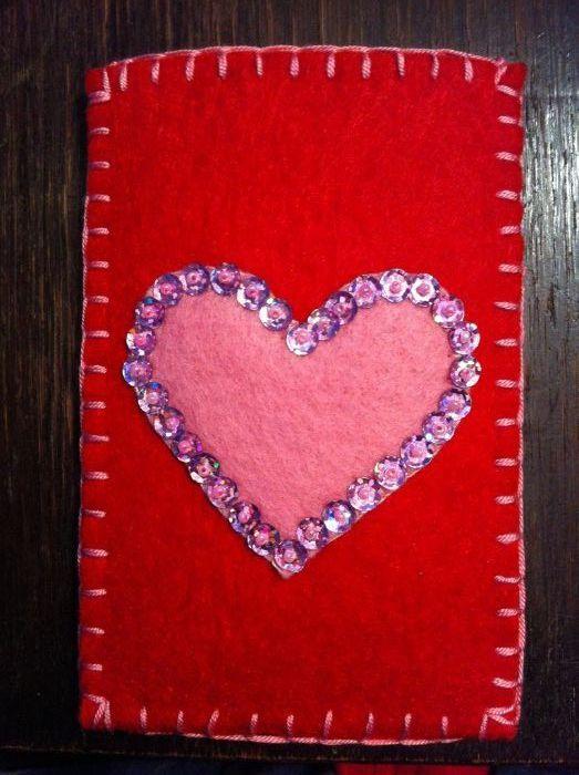 Husa protectie Telefon, model cu inimi si flori, produs handmade
