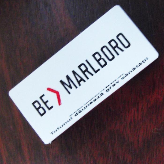 Bricheta Marlboro metalica cu clapeta de colectie -2014 - nefolosita