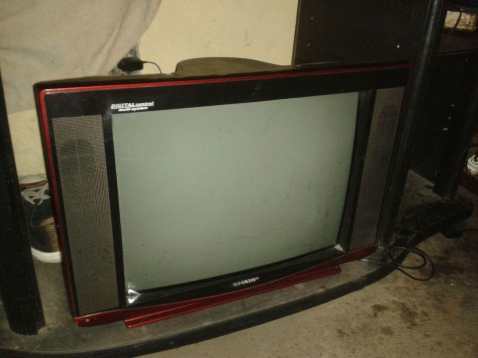 Tv sharp curcunda 54cm
