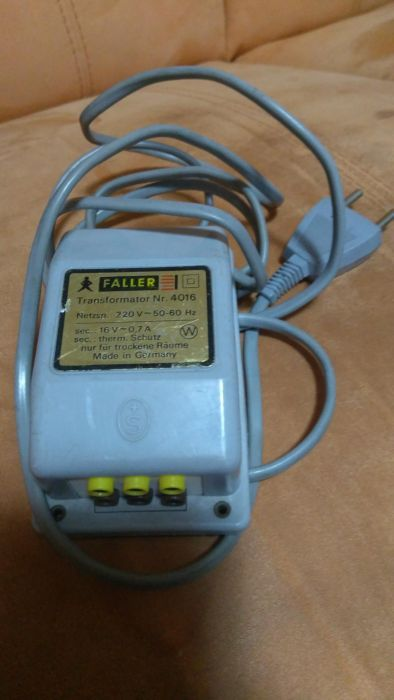 Transformator Faller nr. 4016 16 V - 0,7 A