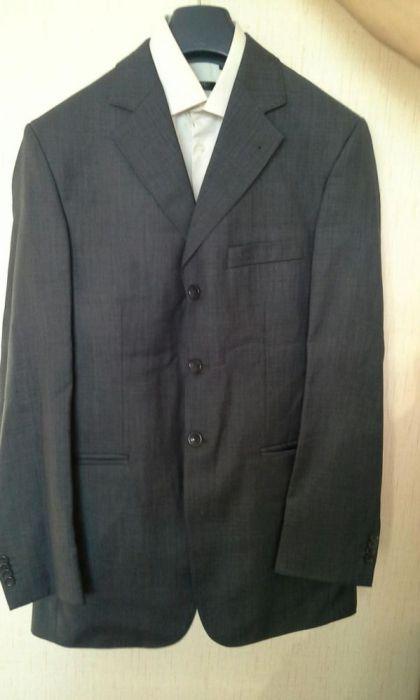 Срочно продам мужской костюм