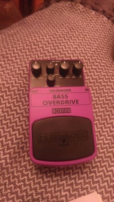 Pedala chitara Bass Behringer BOD100 Bass Overdrive NOU