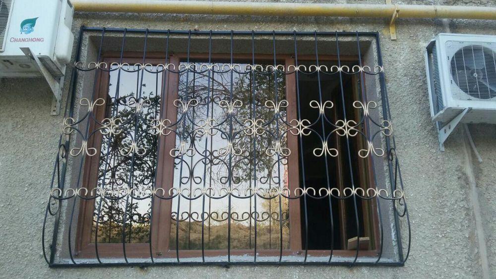 Решетки на окна, кованые решетки на окна, оконные решетки на заказ