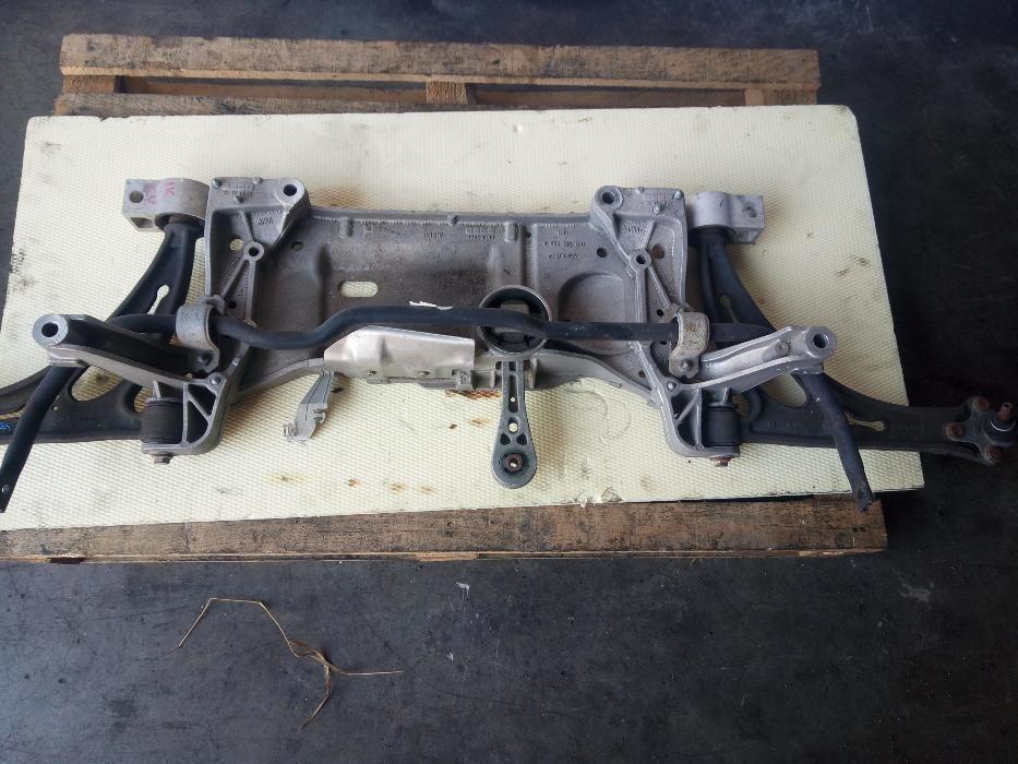Cadru motor ( jug ) pentru VW Passat 3C B6 , Golf 5 , Tiguan Touran