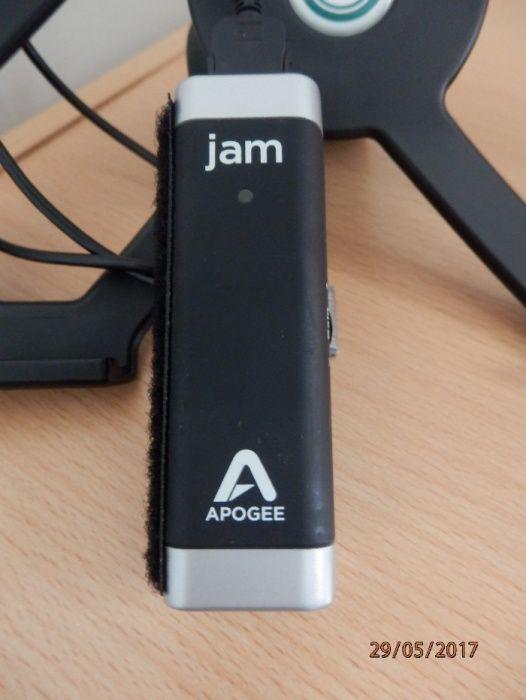 Apogee JAM + suport iPAD + stativ de microfon