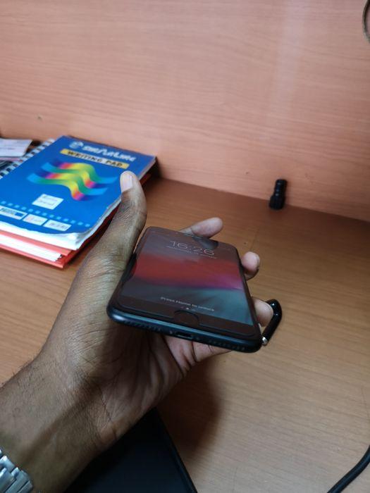 Iphone 7 plus super clean com capa e carregador