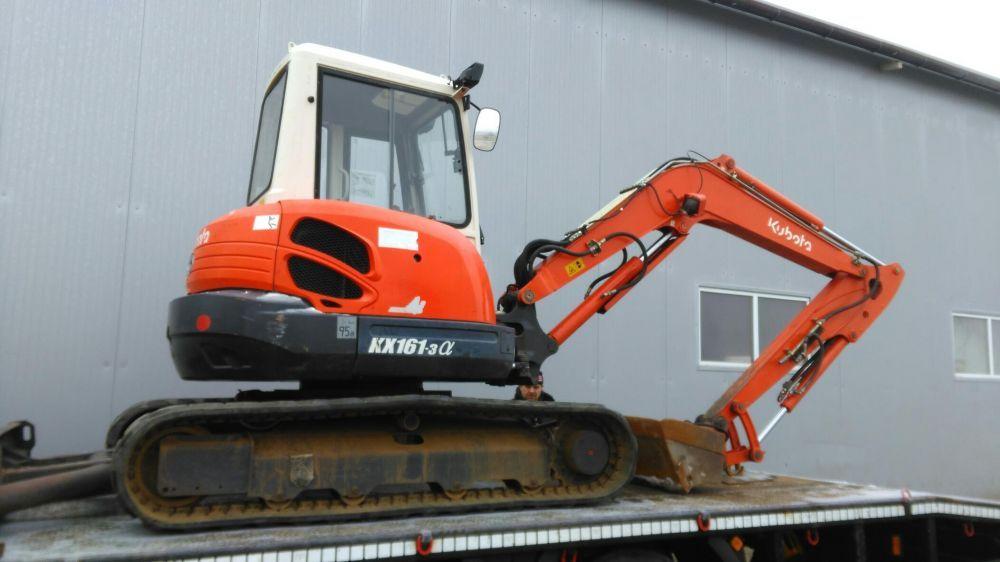 Inchiriez miniexcavator,dumper de 6 tone si excavator