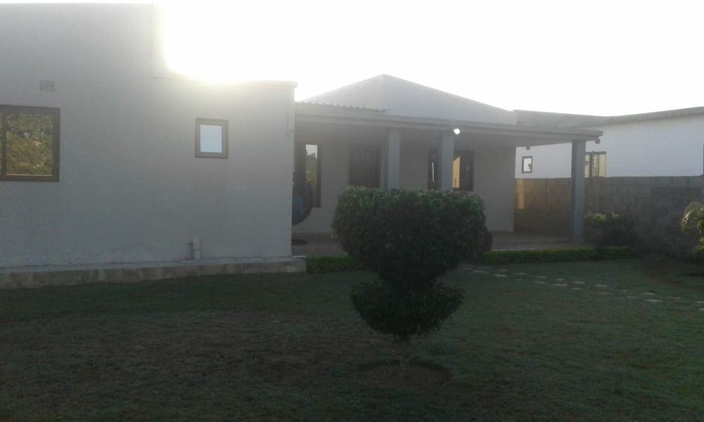 Arrenda-se luxuosa casa t3, climatizada e mobilada Matola rio
