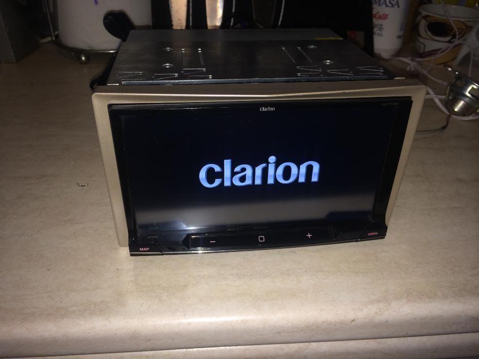 DVD Auto Clarion NX702E cu Ecran de 7 inch