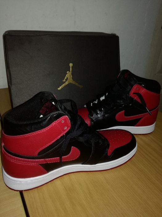 3dcc982f77f Sapatilhas Jordan 1 Retro Black true red Bairro Central • olx.co.mz