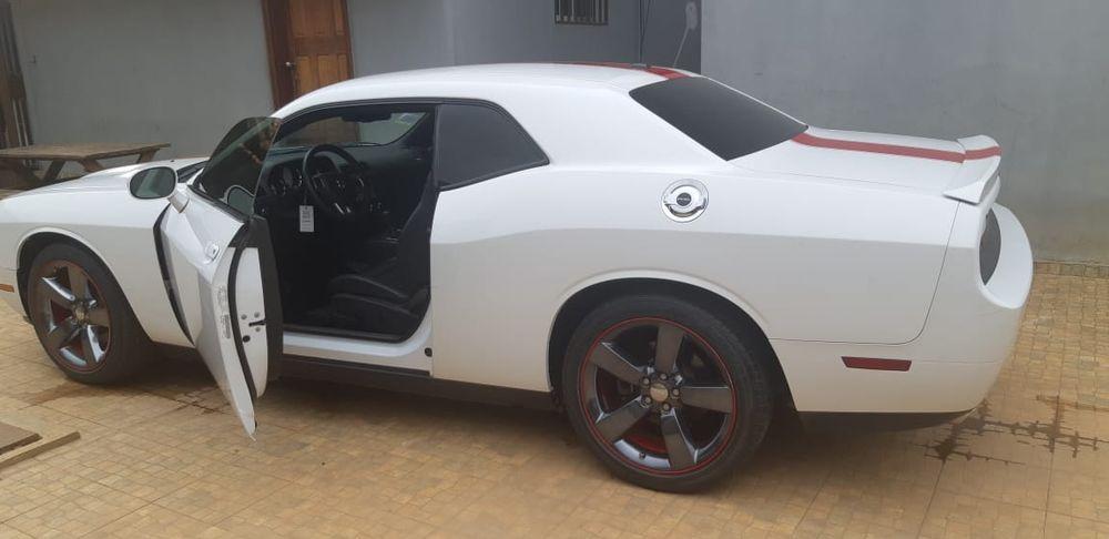 Vendo Dodge Challenger