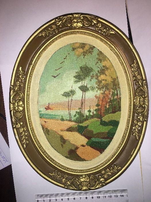Много стара гипсова картина гоблен