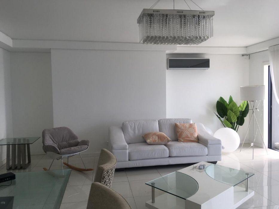 Arrenda-se apartamento luxuoso T2 mobilado no condomínio Casa Chefe