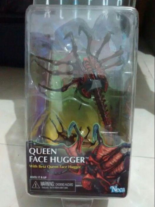 Figurina Alien Queen Face Hugger Xenomorph NECA
