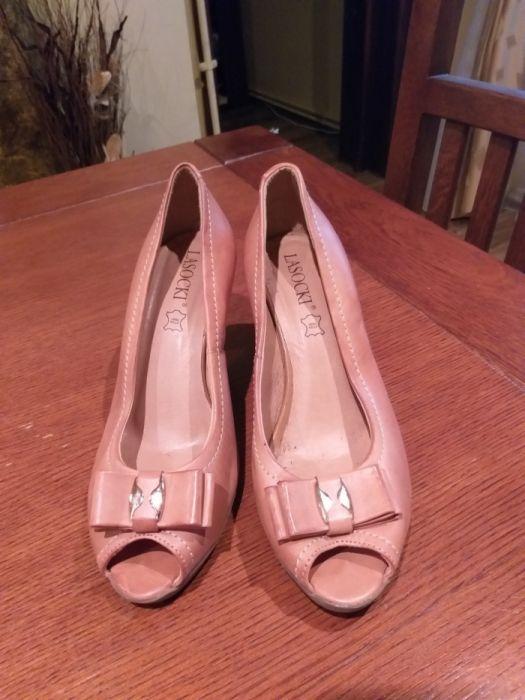 Pantofi piele noi