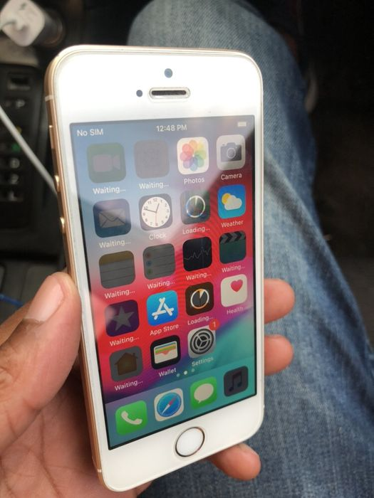 iPhone 5SE 64gb Clean