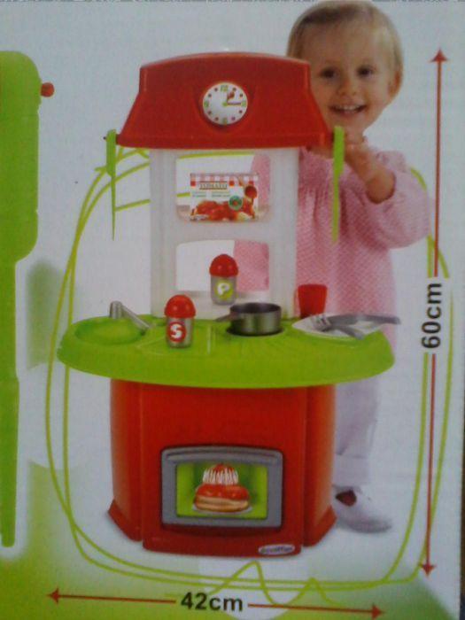 Bucatarie pentru copii, 13 piese, rosu-verde, dim. 60x42cm, sigilata