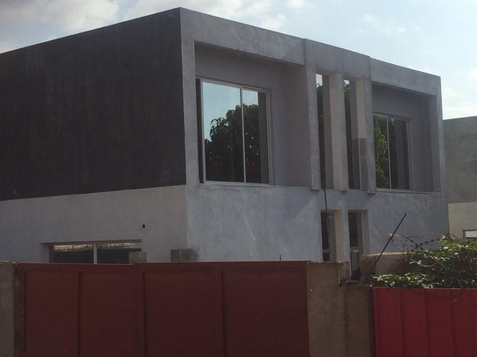 Vende-se esta casa t3 bem localizada no Benfica zona do Kifika