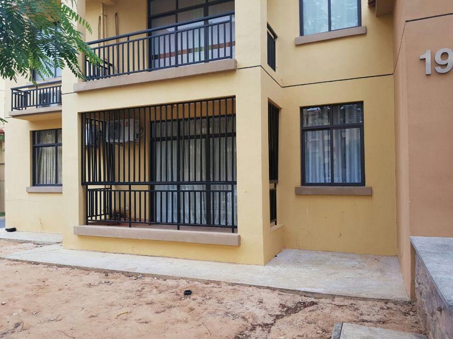 Vende-se apartamento T3 no Jardim de Rosas