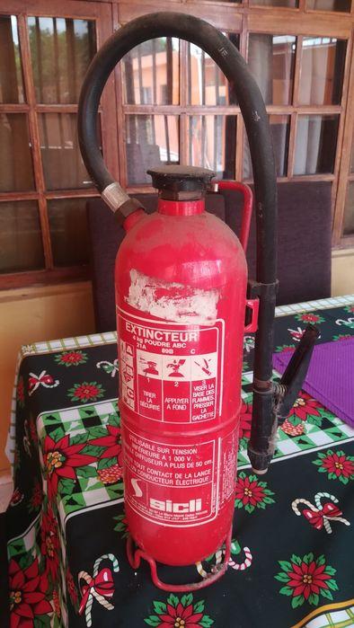 Extintor de 4kilos nao renovado