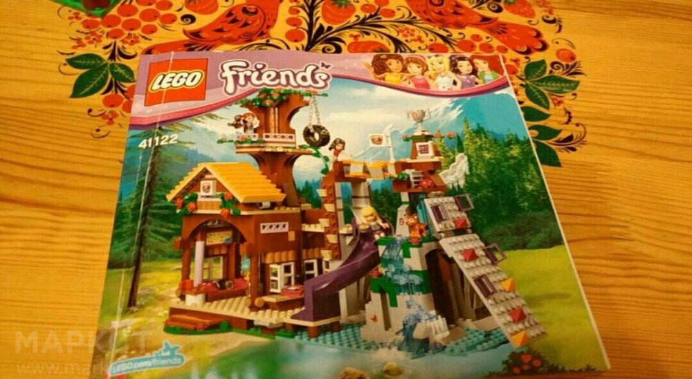 """Lego Friends (спортивный лагерь""""дом на дереве"""")."""