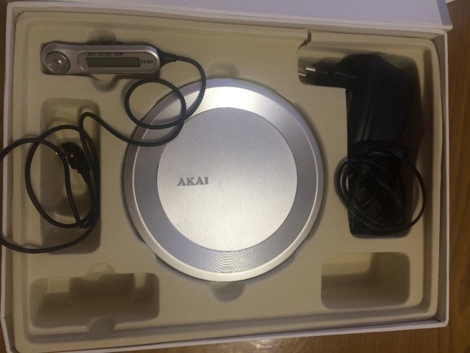 Продам плеер Akai- в ремонт или на запчасти