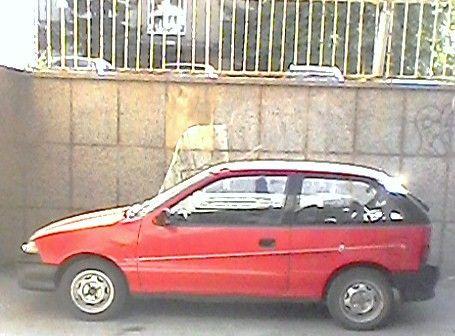 Продавам Suzuki swift сузуки суифт 1995 на части