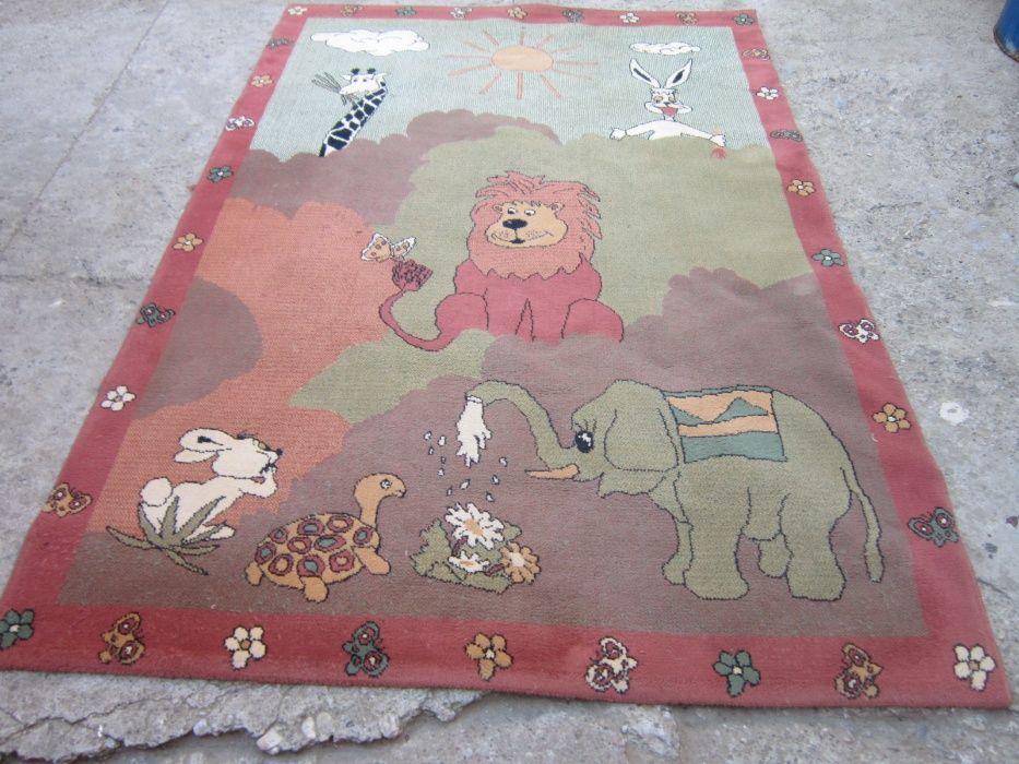 covor din lana pentru camera de copii