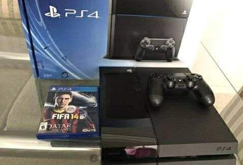 Vende PlayStation 4