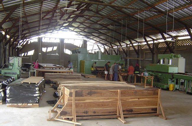 VENDEMOS empresa de concessão de madeira em funcionamento em Manica