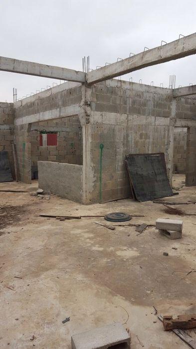 Casa por acabar atrás da Shoprite Luanda Sul