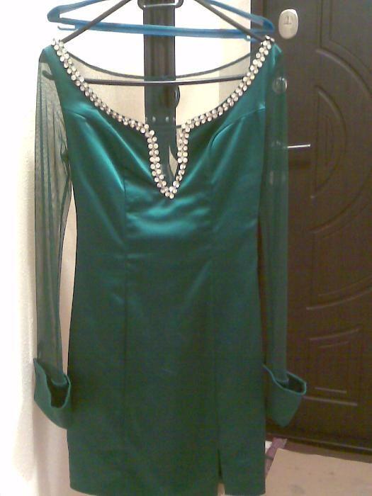 продаю платье 42-44 размера