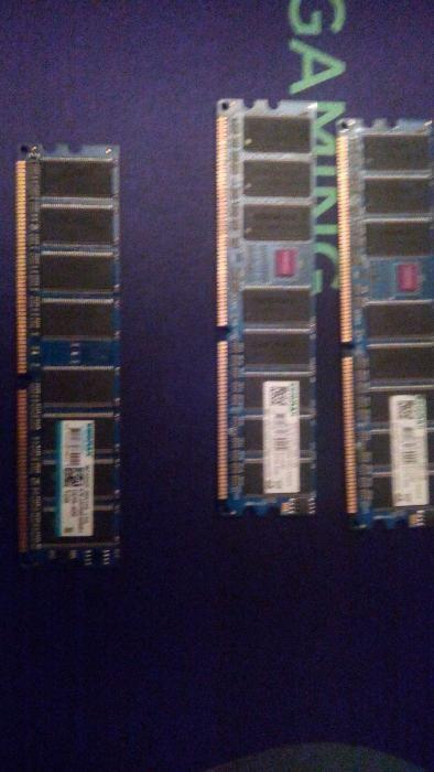 Memorii DDR-400