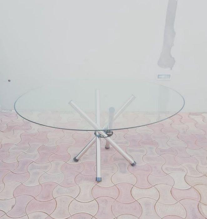 Vendo mesa redonda de vidro 12 lugares