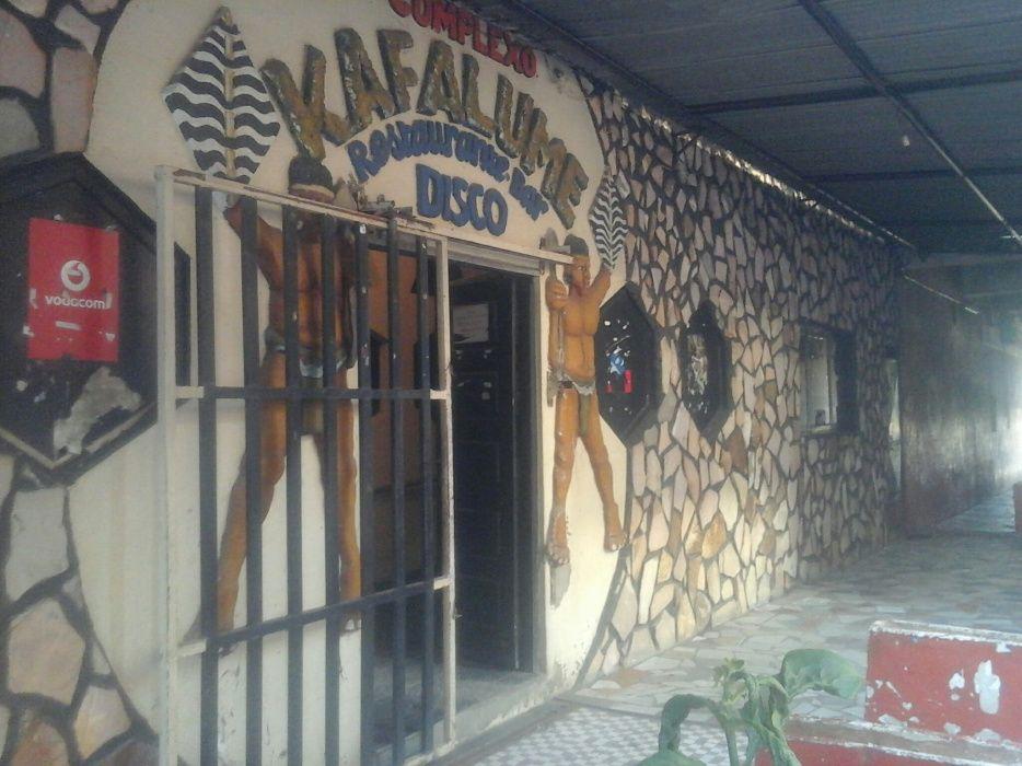 Arrendo, restaurante e bar a 80mil negociaveis com 2 esplanadas