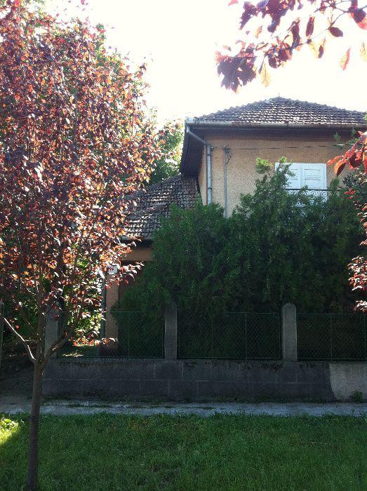 Vând casă comuna Cermei, jud. Arad.