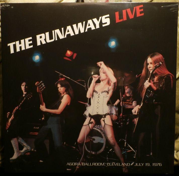 грамофонни плочи-Vinyl / singles - The Runaways,Slade,Suzi Q,Smokie..