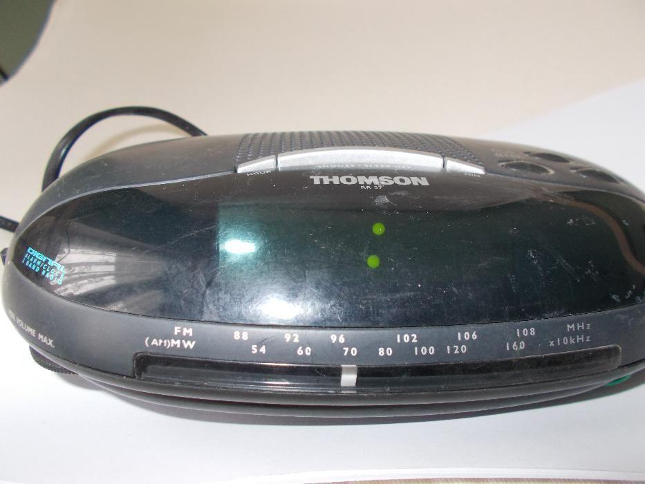 Radio cu ceas si alarma THOMSON