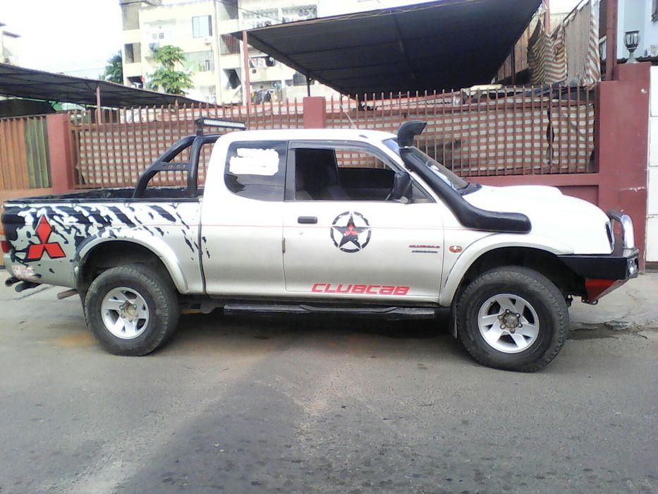Mitsubishi Colt Club Cab...pau.2.5