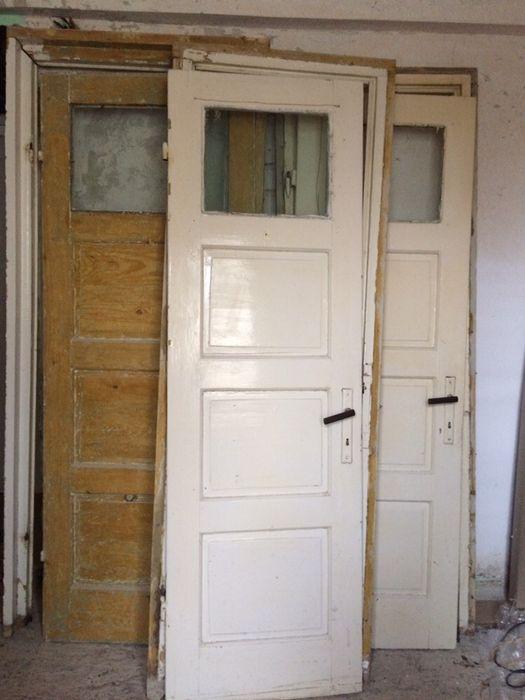 3 usi interior cu tocuri, pervazuri, etc. - lemn masiv 50 ani vechime Husi - imagine 1