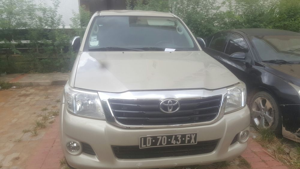 Toyota hilux a7.800.000 negociavel
