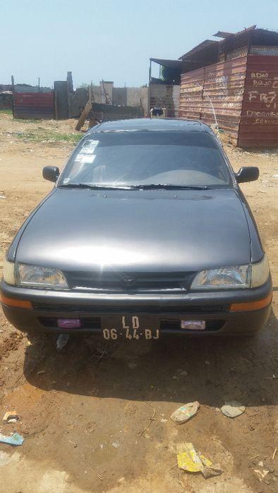 A venda Toyota Corola Rabo de Pato
