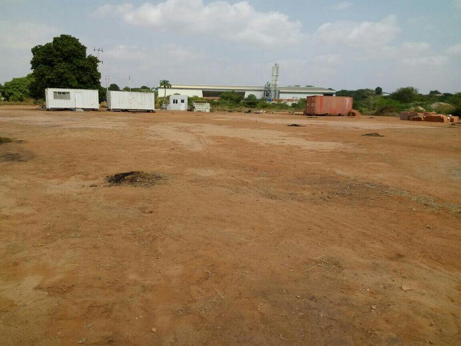 Vende-se Terreno 4.5 hectares no Km 44 está á 100m desvio p/Bom Jesus