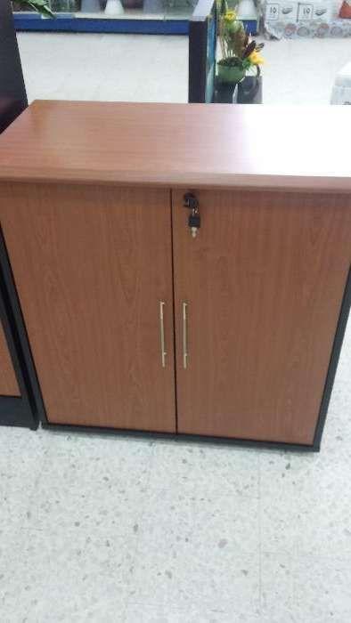 Armário base com portas de madeira produtos novo na caixa,