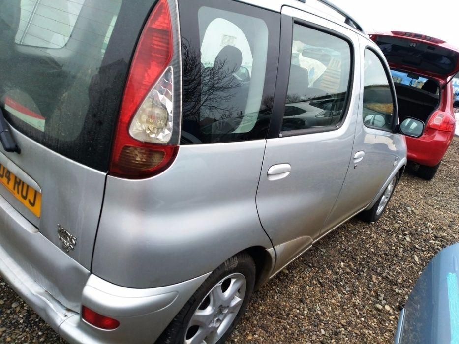 Dezmembrez Toyota Yaris Verso 2005 1.4 D4D 75cp euro3 Otopeni - imagine 4
