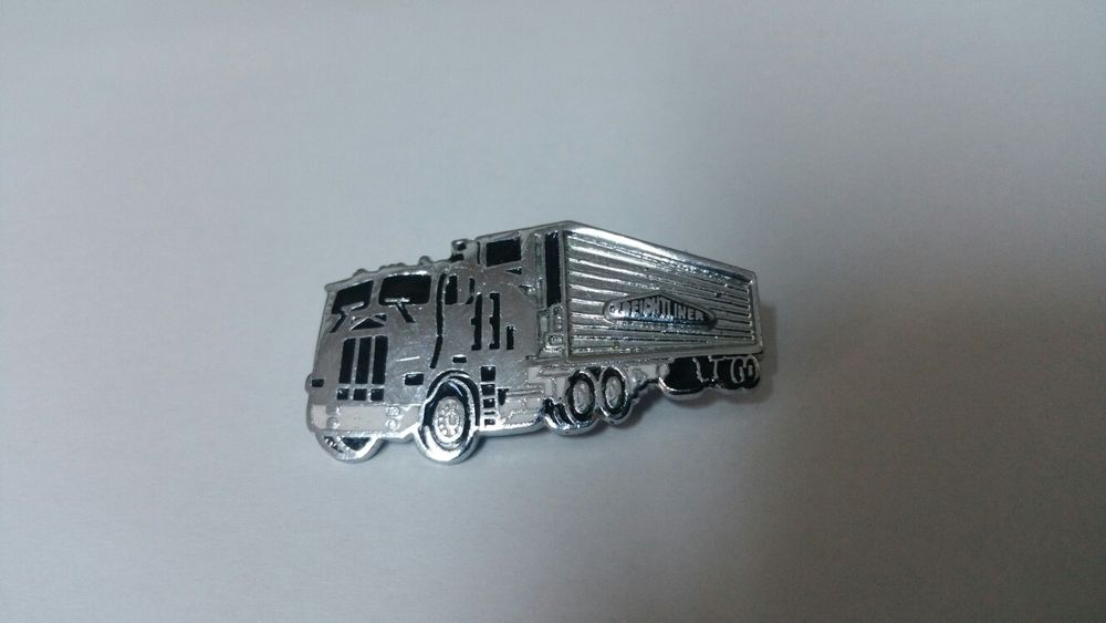 Insigna camion