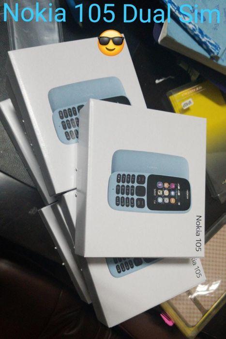 Nokia 105 na caixa com todos acessórios