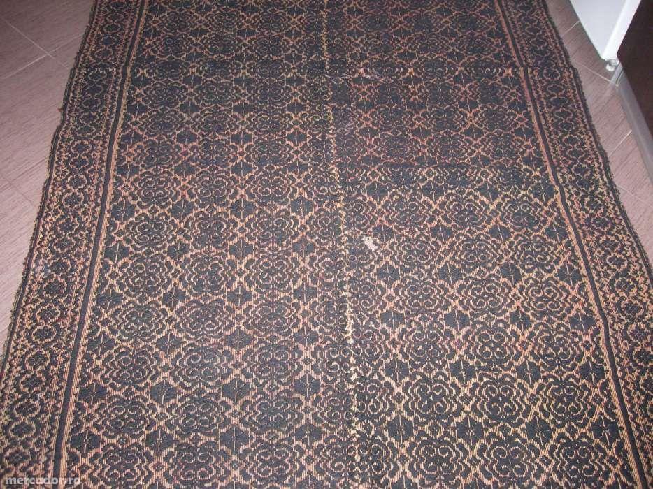 Covor taranesc,velinta , macat popular din lana tesut manual la razboi