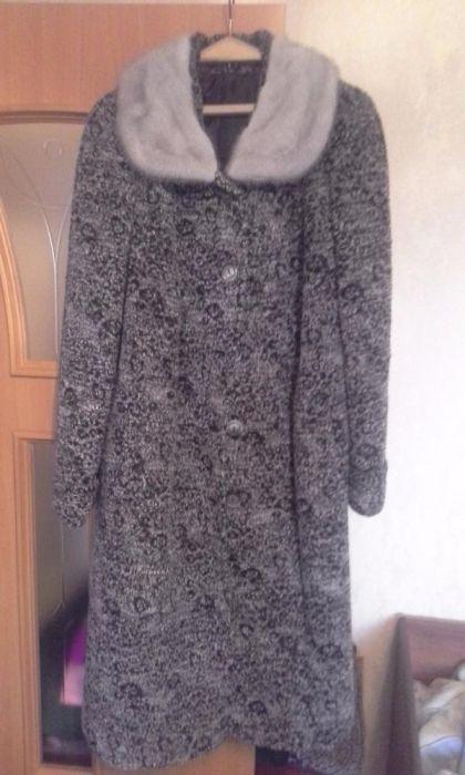 Продам пальто женское зимнее