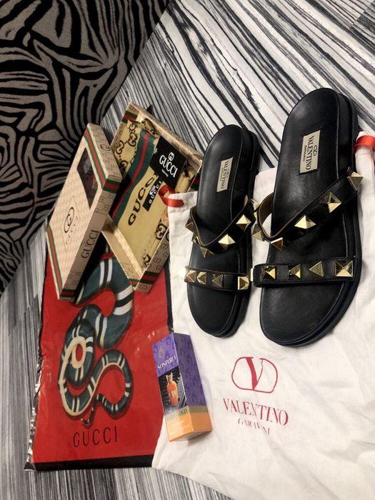 Papuci / șlapi VALENTINO -piele naturală , mărimea 38 pe stoc